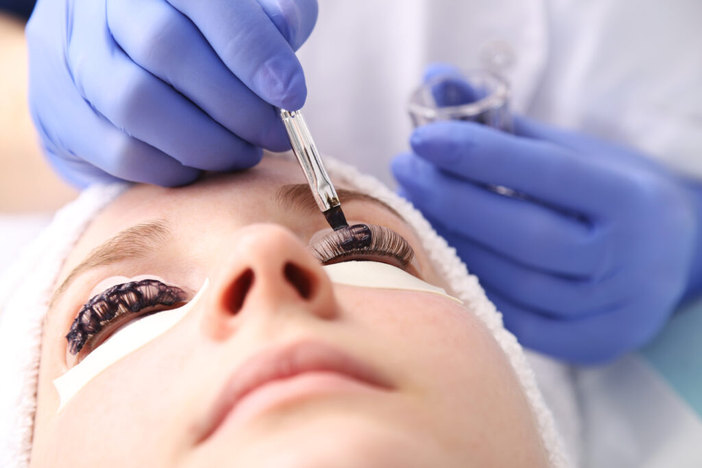 Woman getting a Lash lift service